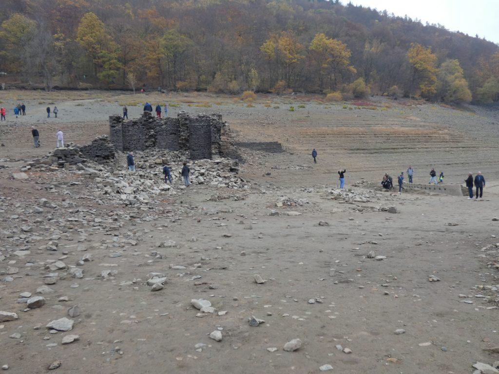 Bilder vom Sperrmauermodell im Edersee an der Bericher Hütte 4