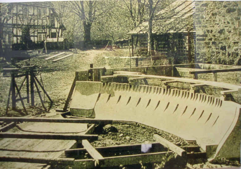 Bilder vom Sperrmauermodell im Edersee an der Bericher Hütte 5